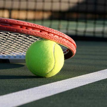 Free 1 hour tennis court rental, 25 clay courts for exceptional tennis!